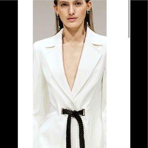 ESCADA Blazer Off White  -4-w/ Black Lamb Belt EUC